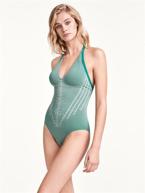 Serena Forming Beach Body